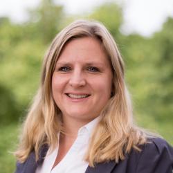 Dr. Astrid Starke