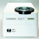 Microarray Scanner zur automatischen Auswertung des molekularen Testsystems.