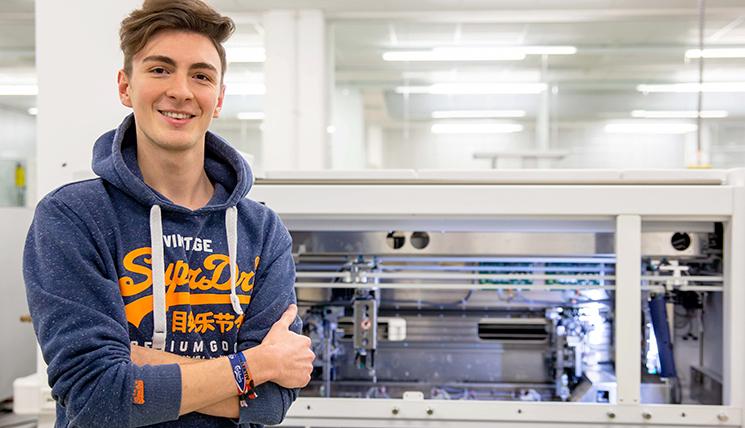 Nils B., Azubi zum Elektroniker bei EUROIMMUN